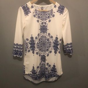 Tops - Blue and white tunic top